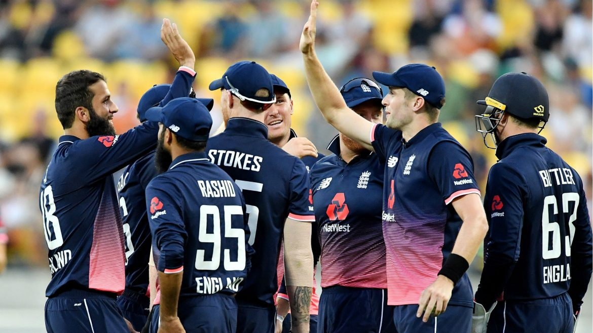 Choosing between online and offline betting is an essential decision since it talks about the platform that you want to use to make the most of cricket betting.
